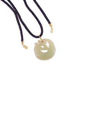 Colar-em-ouro-18k-jade-verde-fragmento-de-jade-verde-peixe-e-fio-de