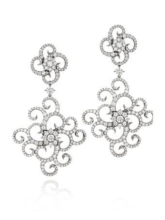 Brinco-ouro-banco-com-diamantes